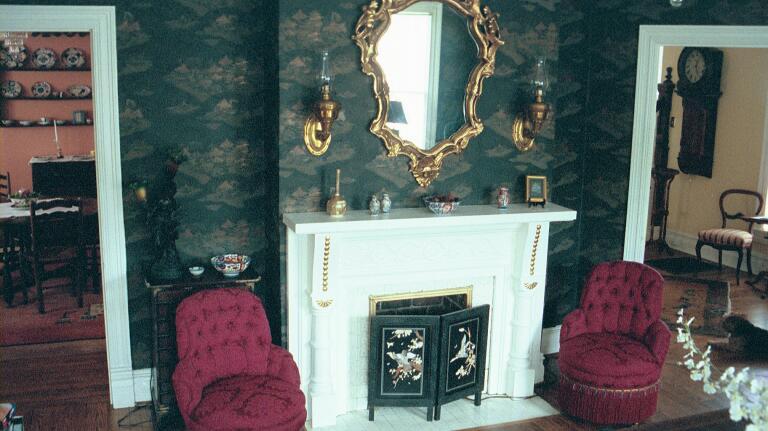 livingroomchairs.jpg